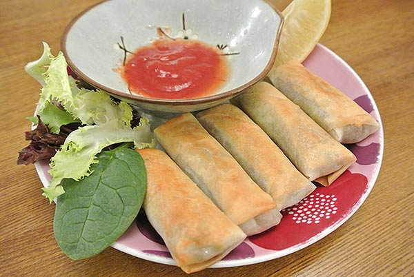 Spring rolls, ready to eat!